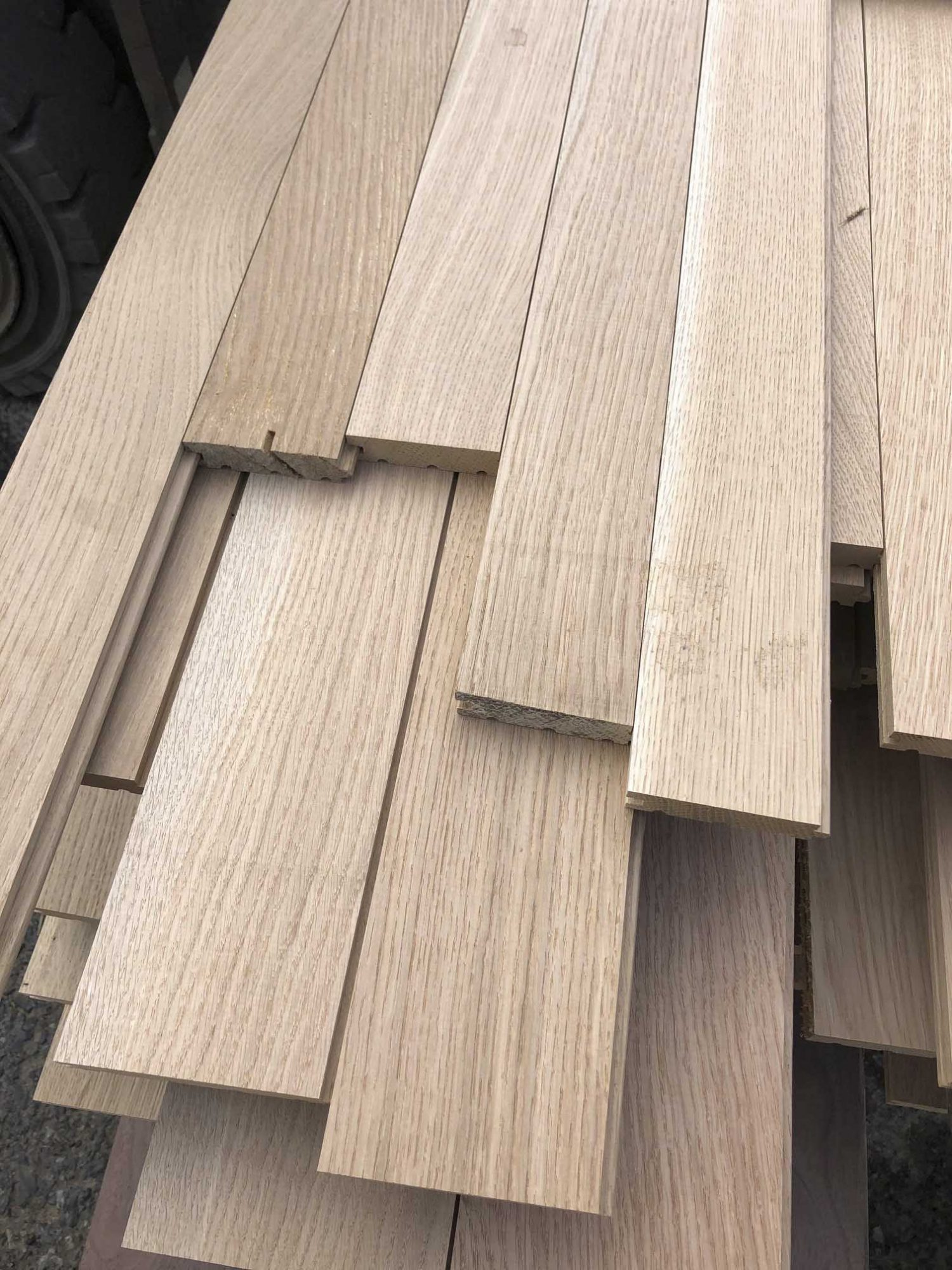 Buy quartersawn rift white oak flooring at Hearne Hardwoods Inc.